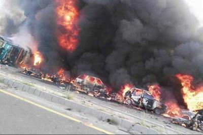 احمد پورشرقیہ آئل ٹینکرحادثے میں جاں بحق ایک سو پچیس افراد کوسپرد خاک کردیا گیا