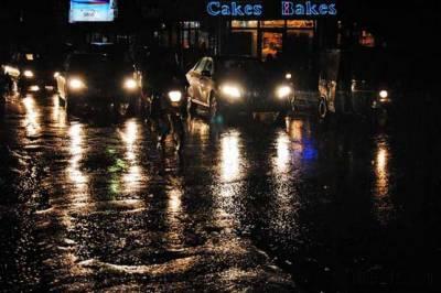 مون سون کی بارشیں شہریوں کیلئے زحمت بن گئیں۔