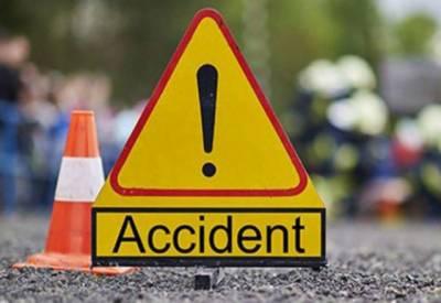 قصور: دیپالپورروڈ پر بس الٹ گئی،3افراد جاں بحق،40زخمی