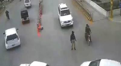 چیف جسٹس آف پاکستان نے کوئٹہ میں ٹریفک پولیس اہلکار کو کچلنے کے واقعہ کا نوٹس لے لیا