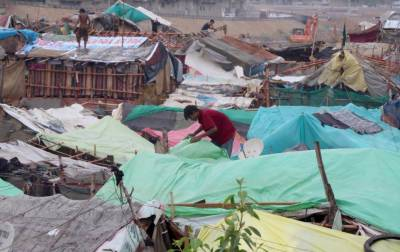 کراچی میں بارش شہریوں کیلئے آفت بن گئی،ہسپتالوں میں ایمرجنسی نافذ