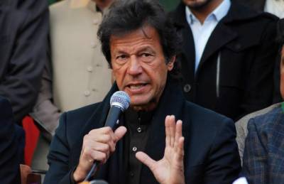 انکی شکلیں دیکھ کرلگتا ہےجےآئی ٹی میں حالات برے ہیں,سیاست نہیں مافیا کے گاڈ فادر کیخلاف جہاد کر رہے ہیں:عمران خان