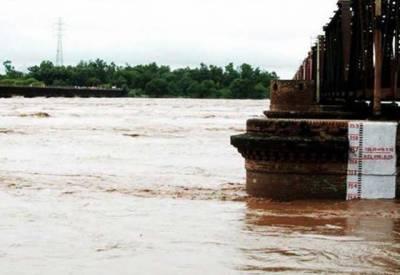 دریائے چناب میں نچلے درجے کا سیلاب