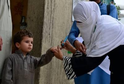 خیبرپختونخوا: 56 ہزار بچے پولیو سے بچائوکے قطرے پینے سے محروم رہ گئے۔