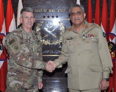 آرمی چیف جنرل قمر باجوہ سے افغانستان میں تعینات امریکی کمانڈر جنرل جان نکولسن کی ملاقات