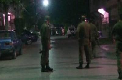 لاہور: شادمان میں پولیس نے گھر میں ڈکیتی کی کوشش ناکام بنا دی۔