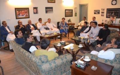 تحریک انصاف کا پارلیمانی پارٹی کا اجلاس آج طلب کرلیا گیا