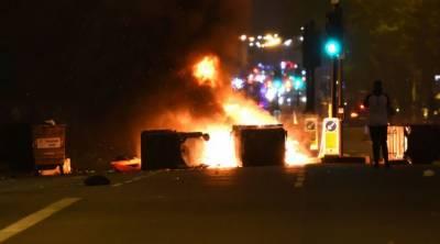 مشرقی لندن میں لوگوں نے شدید احتجاج کیا