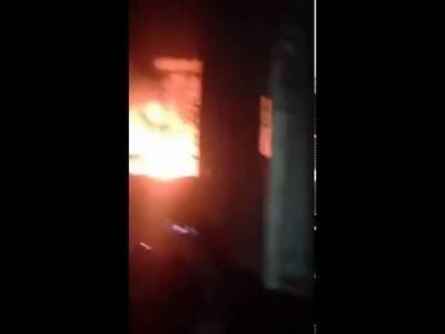 پی آئی بی کالونی کے رہائشی علاقے میں واقع فیکٹری میں اچانک آگ بھڑک اٹھی