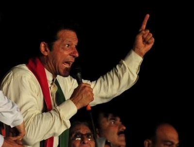 چیئرمین تحریک انصاف عمران خان نے شاہدخاقان عباسی،شہبازشریف،آصف زرداری،فضل الرحمان کی کرپشن کیخلاف بھی جنگ کا اعلان کر دیا