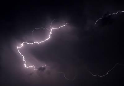 بھارت: ریاست اڑیسہ میں بجلی گرنے سے11 افراد ہلاک،8 زخمی