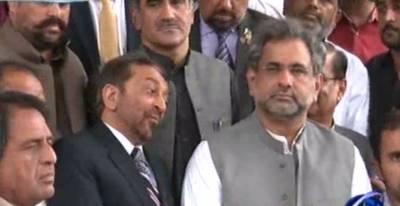 ن لیگ نے سیاسی طور پر کراچی کو آوٹ سورس کردیا تھا، فاروق ستار