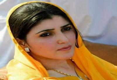 عمران نیازی کو کمیٹی کے سامنے پیش ہونا چاہیے کیونکہ میں بھی پیش ہوں گی۔ عائشہ گلالئی