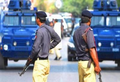 کراچی پولیس نے 50 سے زائد مشتبہ افراد کو حراست میں لے لیا۔