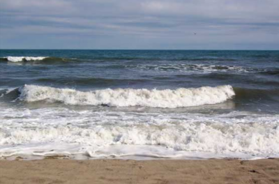 کراچی میں یوم آزادی پر ساحل سمندر پر نہاتے ہوئے چھ افراد سمندر میں ڈوب گئے