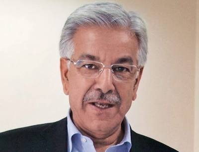 پاکستان بھارت سے مذاکرات کرتے وقت کشمیر کو نظر انداز نہیں کرے گا۔ خواجہ آصف