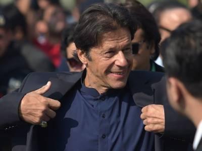 چیف الیکشن کمشنر کی سربراہی میں5 رکنی بنچ نے پی ٹی آئی ممنوعہ فنڈنگ کے حوالے سے عمران خان کی نااہلی سے متعلق کیس کی سماعت کی