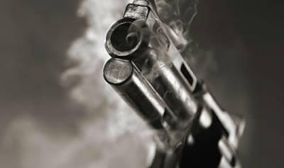 پولیس کے مطابق فائرنگ کا واقعہ گڑھ مہاراجہ کے علاقے پیر عبدالرحمان کے قریب تیرہ چک میں پیش آیا