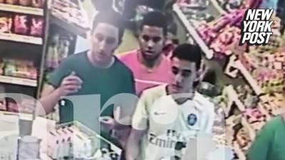 ایک ہسپانوی نیوز پورٹل نے پٹرول پمپ پر تین نوجوانوں کی تصاویر شائع کی ہیں