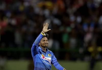 سری لنکن آف سپنر اکیلا دننجایا نے بھارت کے 6 کھلاڑی کومیدان بدر کردیا۔