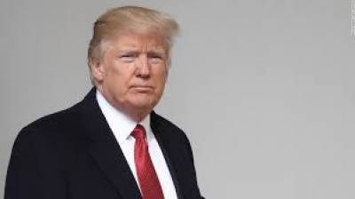 صدر ڈانلڈ ٹرمپ پولیس کیلئے جنگی ہتھیاروں کے استعمال پر پابندی کے قانون کو منسوخ کرنے پر غور کرنے لگے