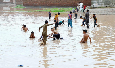 آئندہ چوبیس گھنٹوں کے دوران شدید بارشوں کا زور سندھ اور پنجاب میں رہے گا۔