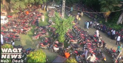 لاہورچڑیا گھر عید کے دنوں میں لوگوں کی بھرپور توجہ کا مرکز