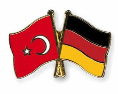 ترکی اور جرمنی کے درمیان لفظی جنگ جاری