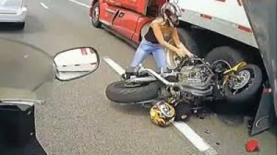 موٹر سائیکل سواروں کیلئے ہیلمٹ پہننا کتنا ضروری ہے