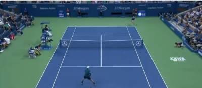 یو ایس اوپن ٹینس ٹورنامنٹ میں امریکا کی وینس ولیمز نے سنسنی خیز مقابلے کے بعد چیک ری پبلک کی پیٹرا کووی ٹووا کو شکست دیکر اینوٹ کے سیمی فائنل میں جگہ بنالی