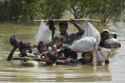 روہنگیا مسلمانوں پر تشدد کا سلسلہ جاری سوا لاکھ سے زائد مسلمان ہجرت کر کے بنگلہ دیش پہنچ گئے