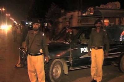 کراچی کے مختلف علاقوں میں پولیس نے کارروائیوں کرکےبین الصوبائی موٹر سائیکل لفٹر گروہ کے 5کارندوں کو گرفتار کر لیا