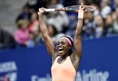 یو ایس اوپن ٹینس ٹورنامنٹ میں امریکا کی سلونی سٹیفنز نے ہم وطن وینس ولیمز کو اپ سیٹ شکست دیکر فائنل کے لیے کوالیفائی کرلیا۔