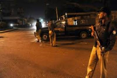 قصور:مصطفیٰ آباد کے علاقے راجباہ رام تھمن کےقریب پولیس مقابلہ
