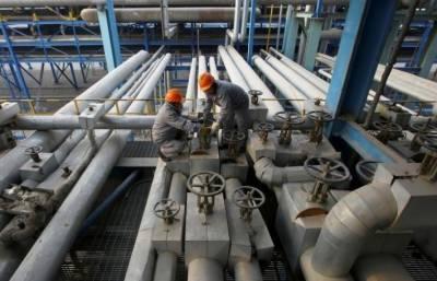 تاجروں نے امریکی طوفان کے اثرات کا جائزہ لینے کے لیے تیل کی قیمتوں میں کمی کی ہے