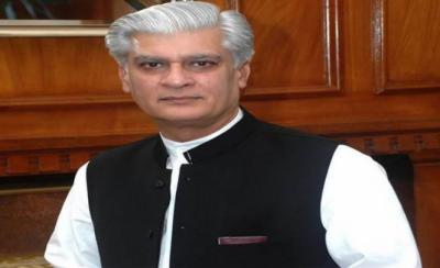 شریف خاندان کی احتساب عدالت میں پیشی کے حوالے سے مشاورت جاری ہے: مشیر وزیراعظم آصف کرمانی