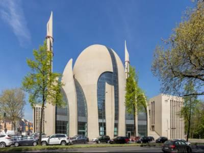 جرمنی: یومِ اتحاد کے موقع پر مسلمانوں نے کھلی مساجد کا دن منایا۔