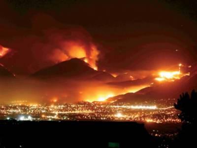 دو ہزار عمارتیں راکھ میں تبدیل ہوگئیں،ساڑھے تین ہزار گھر اس آگ کی زد میں