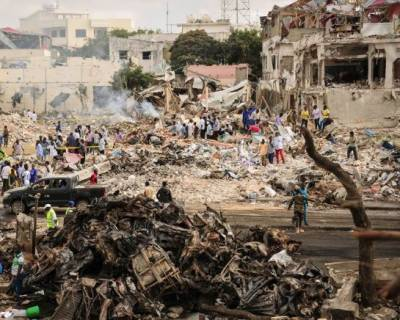 صومالیہ کے دارالحکومت موغا دیشو میں ہونے والے ہولناک دھماکے میں جاں بحق افراد کی تعداد تین سو سے تجاوز کر گئی