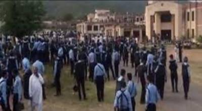 اسلام آباد:قائداعظم یونیورسٹی طلبہ گروپوں میں تصادم کی وجہ سےآج بھی بند