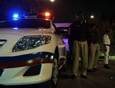 کراچی میں پولیس نےکارروائی کرتے ہوئے 4ملزموں کو گرفتارکرلیا