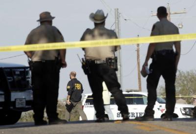 امریکی ریاست ٹیکساس میں ایئرفورس کے سابق اہلکار کی اندھا دھند فائرنگ سے ستائیس افراد ہلاک اور درجنوں زخمی ہوگئے