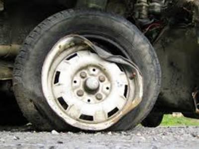 پاکپتن: بابا فرید پل پر دھند کے باعث بس حادثہ، 22 مسافر زخمی