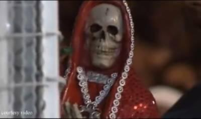 میکسیکو اور وسطی امریکہ میں ایک نیا مذہب تیزی سے پروان چڑھ رہا ہے جس میں لوگ موت کی دیوی سینٹا موئرٹے کی پوجا کرتے ہیں