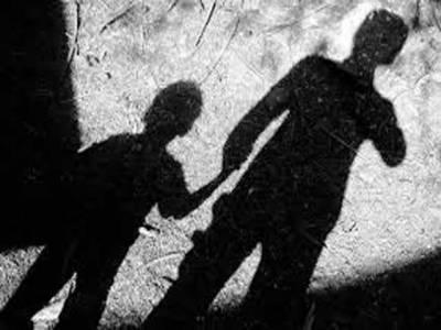 معمولی تکرار کے بعد نامعلوم افراد نے تاجر کے 18 سالہ بیٹے کو اغواءکر لیا۔