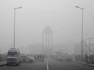 نئی دہلی میں فضائی آلودگی، غیر ملکی سفارتکار بھارتی دارالحکومت چھوڑ کر جانے لگے