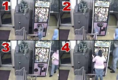 امریکی ریاست جنوبی کیرولینا میں بھی دو سالہ بچی کھلو نے لینے کے شو ق میں وینڈنگ مشین کے اندر چلی گئی۔