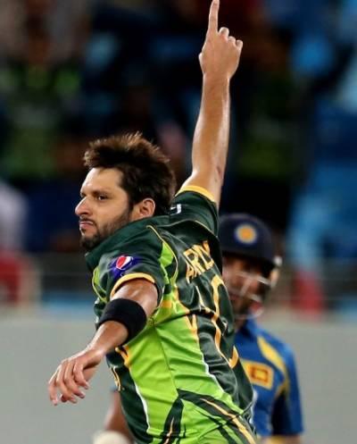 شاہد آفریدی ٹی ٹوئنٹی کرکٹ میں زیادہ وکٹیں لینے والے پاکستان کے پہلے اور دنیا کے چوتھے بالر بن گئے ۔