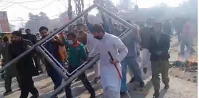 اسلام آباد میں دھرنے کے خلاف آپریشن کے بعد پنجاب بھر میں مظاہرے پھوٹ پڑے