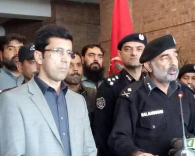 سیکورٹی اہلکاروں نے بروقت کارروائی کرتے ہوئے بہادری سے پشاور کو بڑے سانحے سے بچالیا, آئی جی خیبرپختونخوا صلاح الدین محسود